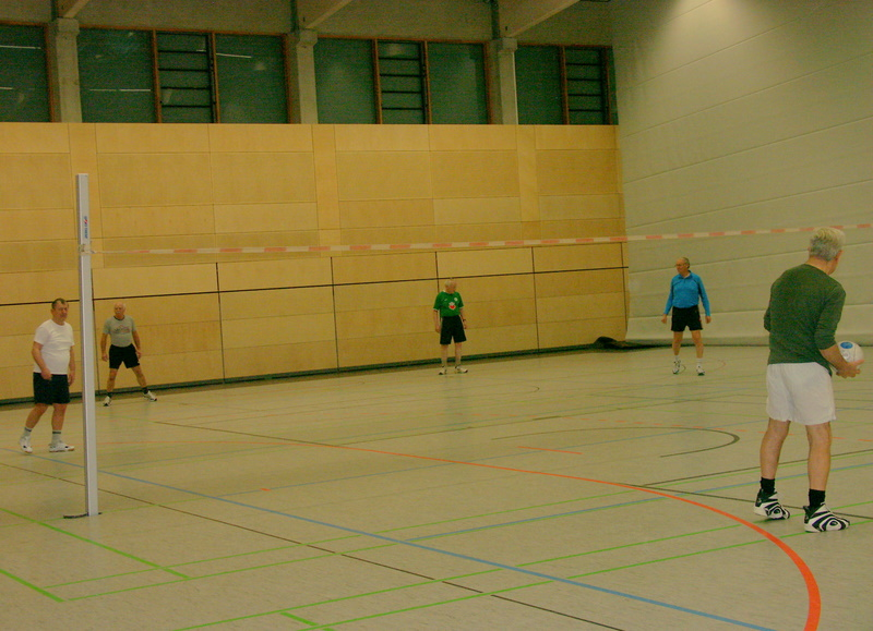 Faustball-in-der-Hölty-Halle